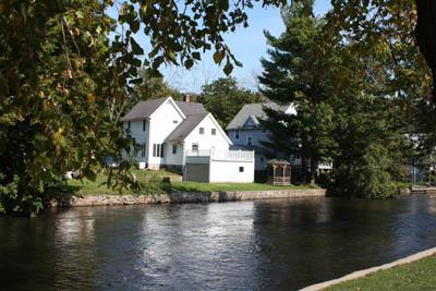Maison au bord de la rivière Kalamazoo